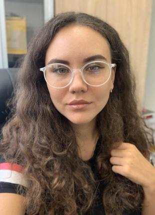 Имиджевые очки в прозрачной оправе!