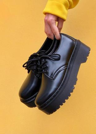 Шикарные женские туфли dr. martens 1461 mono black