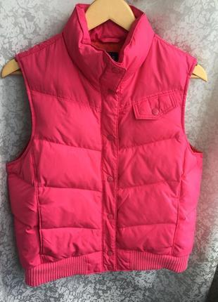 Теплый жилет gap пух/перо безрукавка пуховая зимняя, теплая, розовая m/l