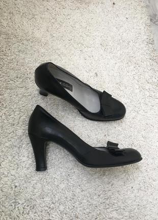 Кожаные итальянские деловые туфли