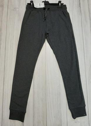 Спортивные штаны на мальчика kiabi