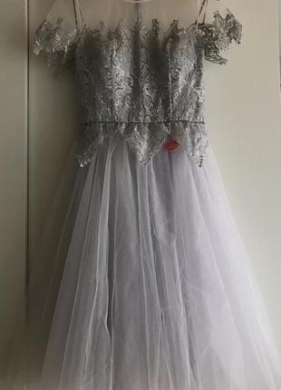 Платья на выпускной серое