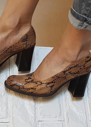 Модные кожаные туфли на стильном устойчивом каблуке, ручная работа