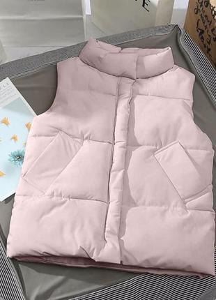 Пудровая пудра розовая жилетка желетка без рукавов осень