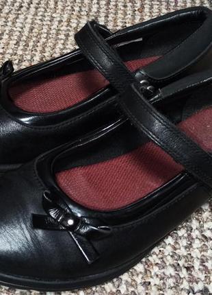 Туфли из натуральной кожи сlarks. размер 34