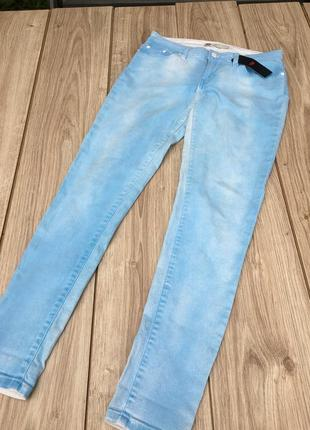 Стильные актуальные джинсы штаны брюки тренд levi's denim h&m
