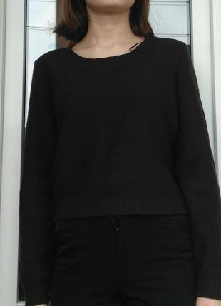 Черный укороченный свитер h&m