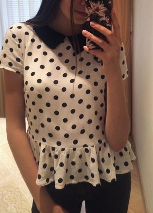 Блузка в горошек с баской oggi