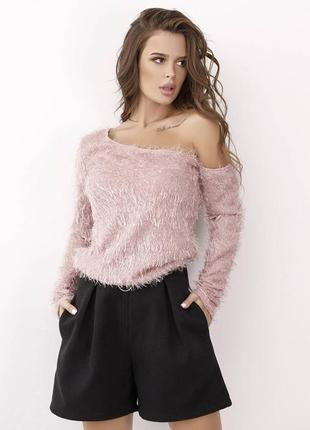 1711.    оригинальный розовый свитер с открытым плечом из травки