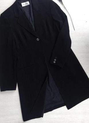 Актуальный длинный пиджак