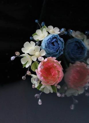 Набор шпилек с цветами ручной работы.