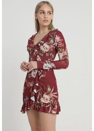 Классное мини платье в цветы