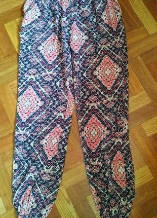 Яркие штаны