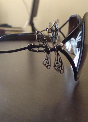 Солнцезащитные очки с поляризованными линзами