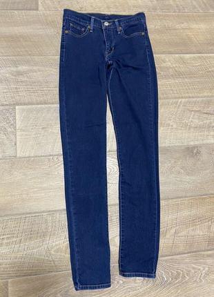 Базовые джинсы levi's