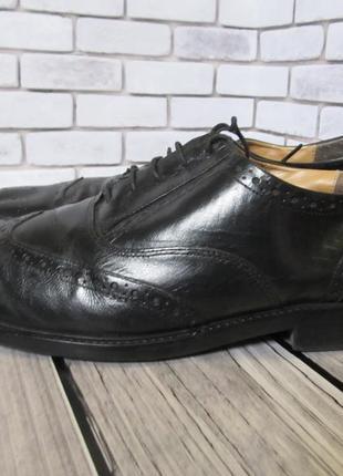 Кожаные туфли броги clarks