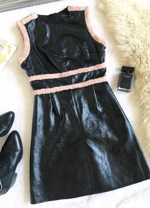 Нереальное платье из лаковой эко кожи lost ink