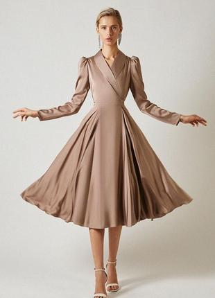 Шелковое пышное платье на запах с юбкой-солнце