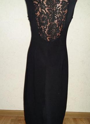 Трикотажное платье с кружевной спиной