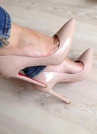Туфли -лодочки лаковые женские