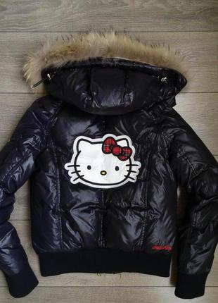 Почти новая курточка hello kitti оригинал!