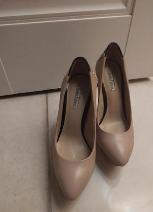 Кожаные туфли лодочки nude бежевые