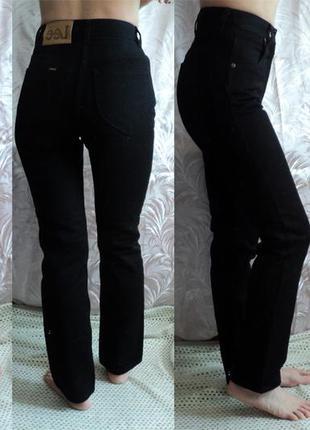Фирменные прямые плотные черные джинсы lee высокая талия. w27l30, с нюансом, торг