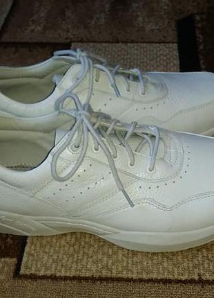 Кроссовки белые dr. comfort
