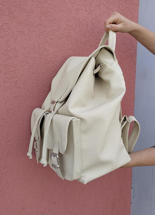 Очень вместительный и крутой рюкзак, супер качество