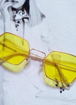 Солнцезащитные геометрические очки  с цветной линзой жёлтый