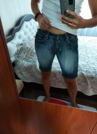 Стрейчевые джинсовые шорты бриджи