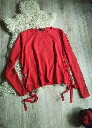Красная кофточка свитер со шнуровкой бо бокам с люверсами худи свитшот джемпер