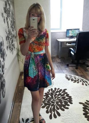 Яркое платье для яркой девушки