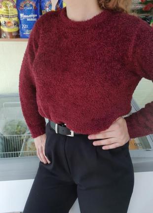 Мягкий светер цевета бордо
