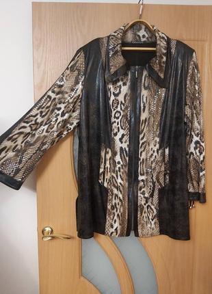 Пиджак на молнии. размер 58-60.