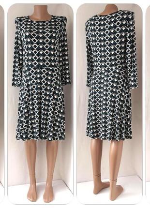 Красивое вискозное платье dorothy perkins c ромбами. размер uk12/eur40.
