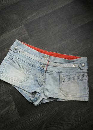 Короткие шорты