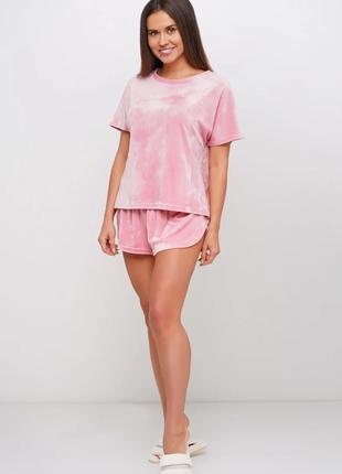 Велюровая женская пижама 44 - 46 размера. шорты велюровые в комплекте.