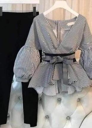 Шикарный костюм в полоску
