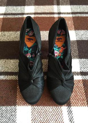 Черные нарядные туфли на каблуке. rocketdog. р.40