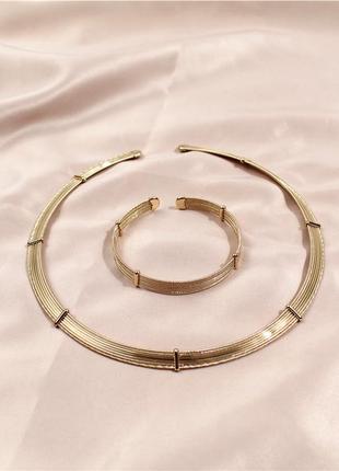 Стильный набор колье пектораль и браслет по суперцене