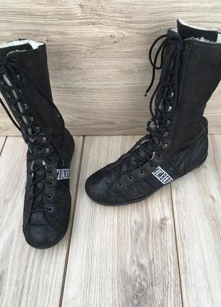 Стильные актуальные ботинки dirk bikkembergs zara h&m кожаные с мехом