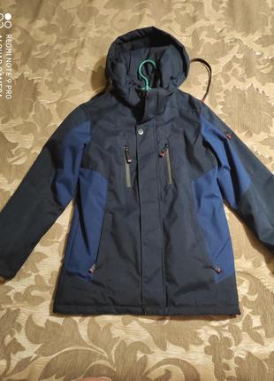Куртка для мальчика весна-осень, в отличном состоянии, рост 146
