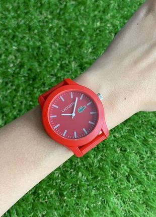 Женские наручные часы каучуковые красные