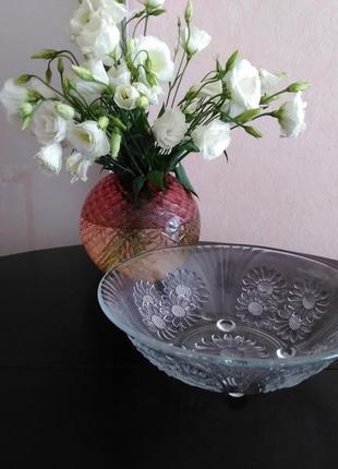 Красивейшая большая ваза блюдо салатница для праздничного стола