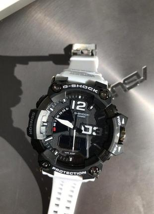 Casio g-shock black and white 010