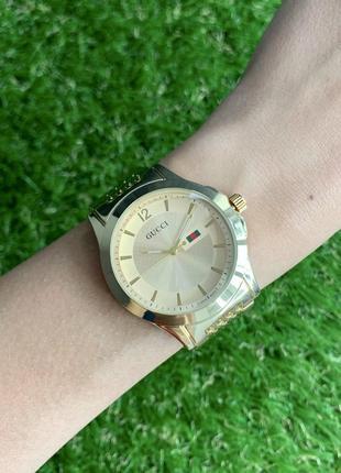 Женские наручные часы металлические золотистые цвета золото