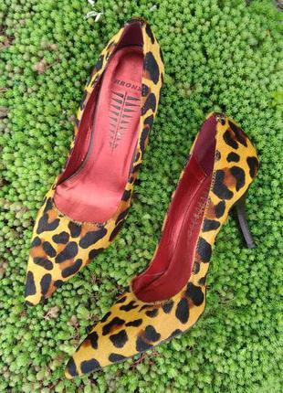 Туфли  bronx леопардовые  из меха пони