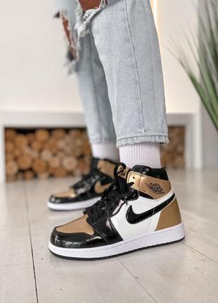 Кроссовки jordan 1 retro high patent gold toe