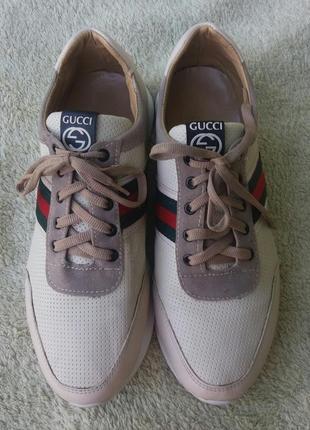 Фирменные кроссовки gucci